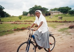nkeiru_edohie_on_bicycle